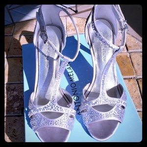Antonio Melani Silver sandals/pumps